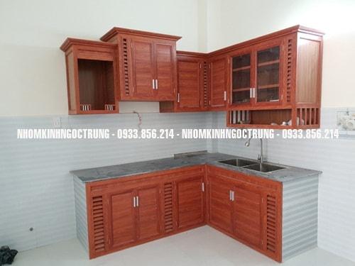 tủ bếp nhôm giả gỗ TB002