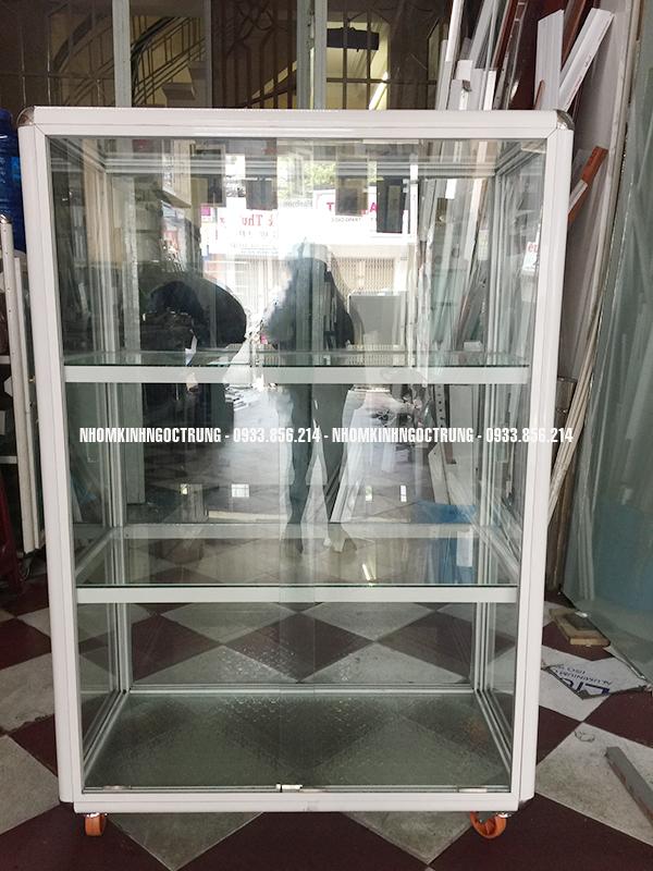 Tủ kính bán hàng TH004