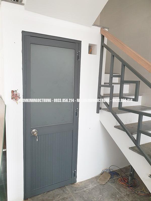 cửa nhôm kính 1 cách màu xám hệ 700