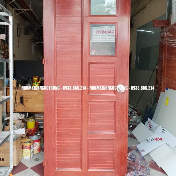 cửa nhôm kính màu gỗ