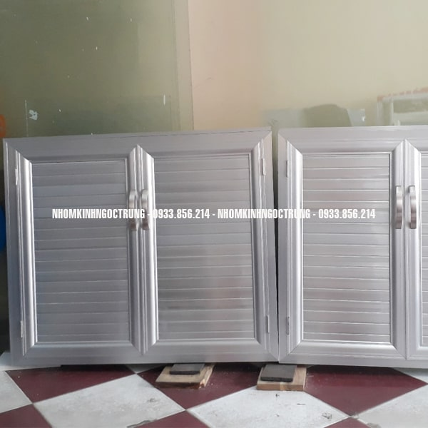 cửa bếp dưới màu bạc CB002
