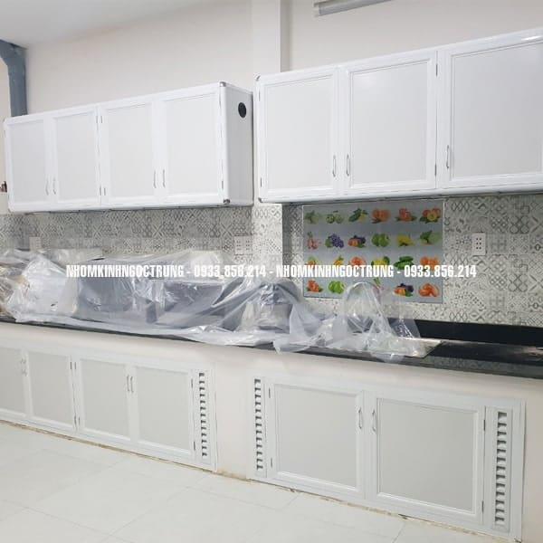cửa bếp dưới cba003
