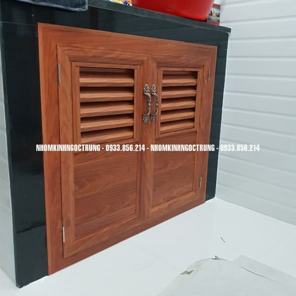 cửa bếp dưới nhôm gỗ lợt CBG001